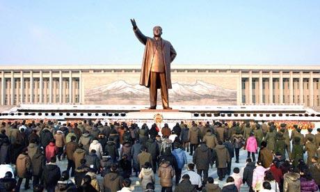 North-Koreans-visit-Kim-I-001